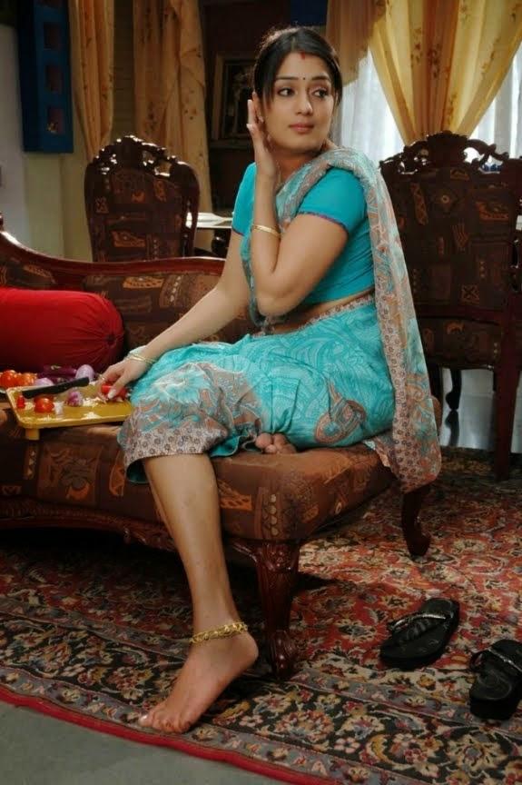 Indian hot bhabhi romance and sex hot bhabhi romance with guy - 3 1