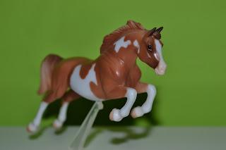 Breyer Stablemates 5944 Sport Horse – chestnut pinto