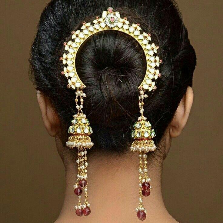 12 Trendy Ways To Accessorize A Saree This Wedding Season