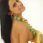 Andrea Rincon, Selena Spice Galeria 13: Hawaiana Camiseta Amarilla Foto 122