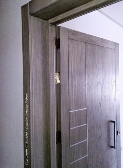 porte d 39 entr e pour appartement en bois noble fr ne tunisie soci t meubles jemour fr res. Black Bedroom Furniture Sets. Home Design Ideas