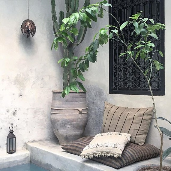 bohemian style in Marrakech, chill out, pillows