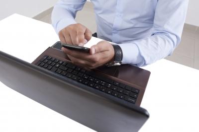 Social Media sebagai Sarana Berbagi Informasi dan Berdiskusi