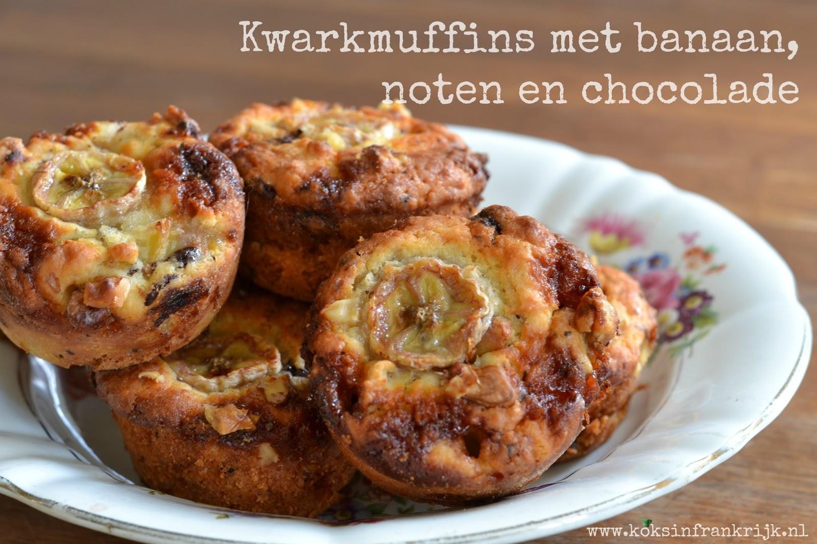 Kwarkmuffins met banaan, noten en chocolade