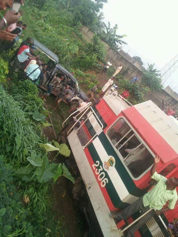 Photos: Train crushes Police patrol van at Woji railway line, Port Harcourt