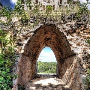 GamesBold Abandoned Aztec Ruins Escape