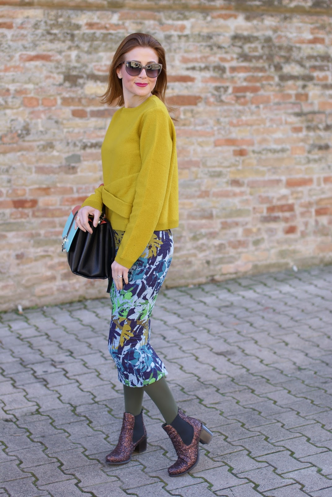 floral midi pencil skirt from Rosè a Pois and Giancarlo Paoli glitter ankle boots on Fashion and Cookies fashion blog, fashion blogger style