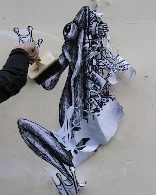 Art by Ardif, mechanimal, portrait, symetrie, grenouille, collage, streetart, art urbain, animaux, dessin, steampunk, paris