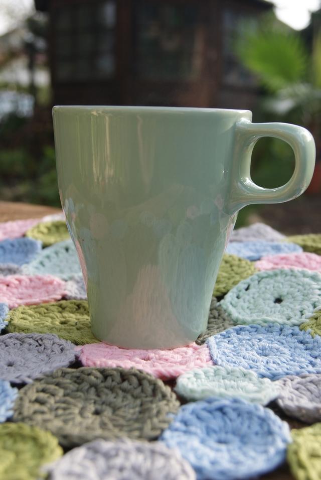 Häkel-Coaster mit Teetasse