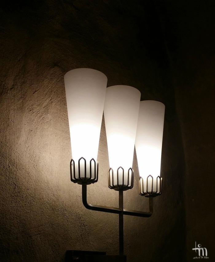 lamput Turun tuomiokirkon sakastissa