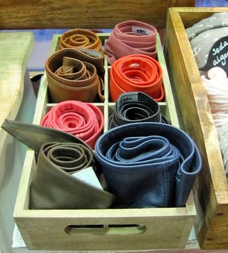 Cinturones de piel blanda colores variados