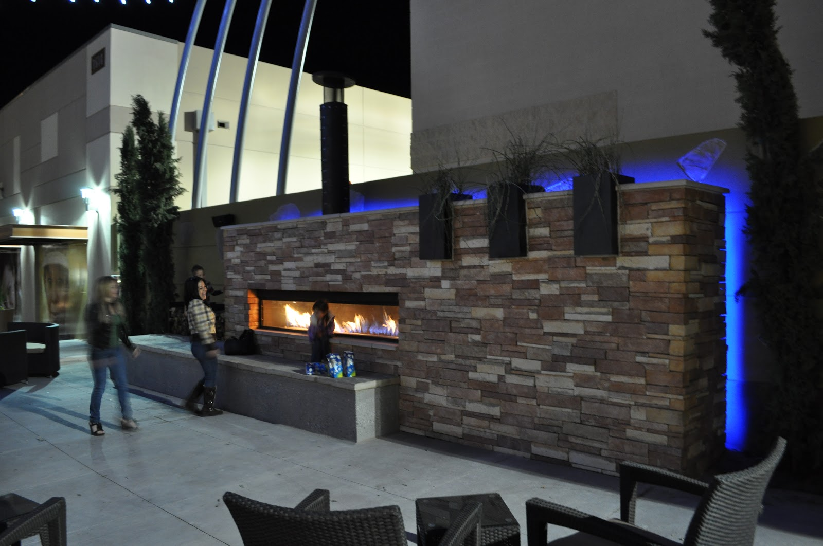 Acucraft Fireplaces Custom Outdoor Linear Gas Fireplace