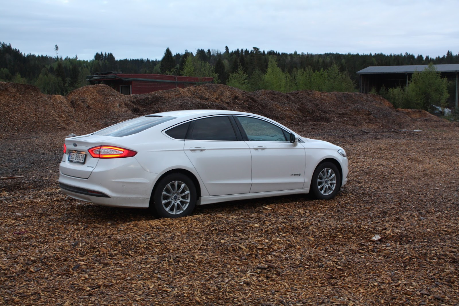 test ford mondeo hybrid bil og motorbloggen. Black Bedroom Furniture Sets. Home Design Ideas