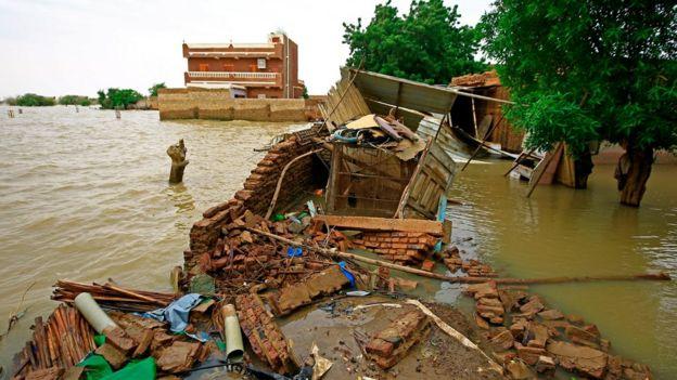 فيضانات السودان: ما أسبابها؟ وهل لسد النهضة والسد العالي دور في شدتها وفي مجابهتها؟