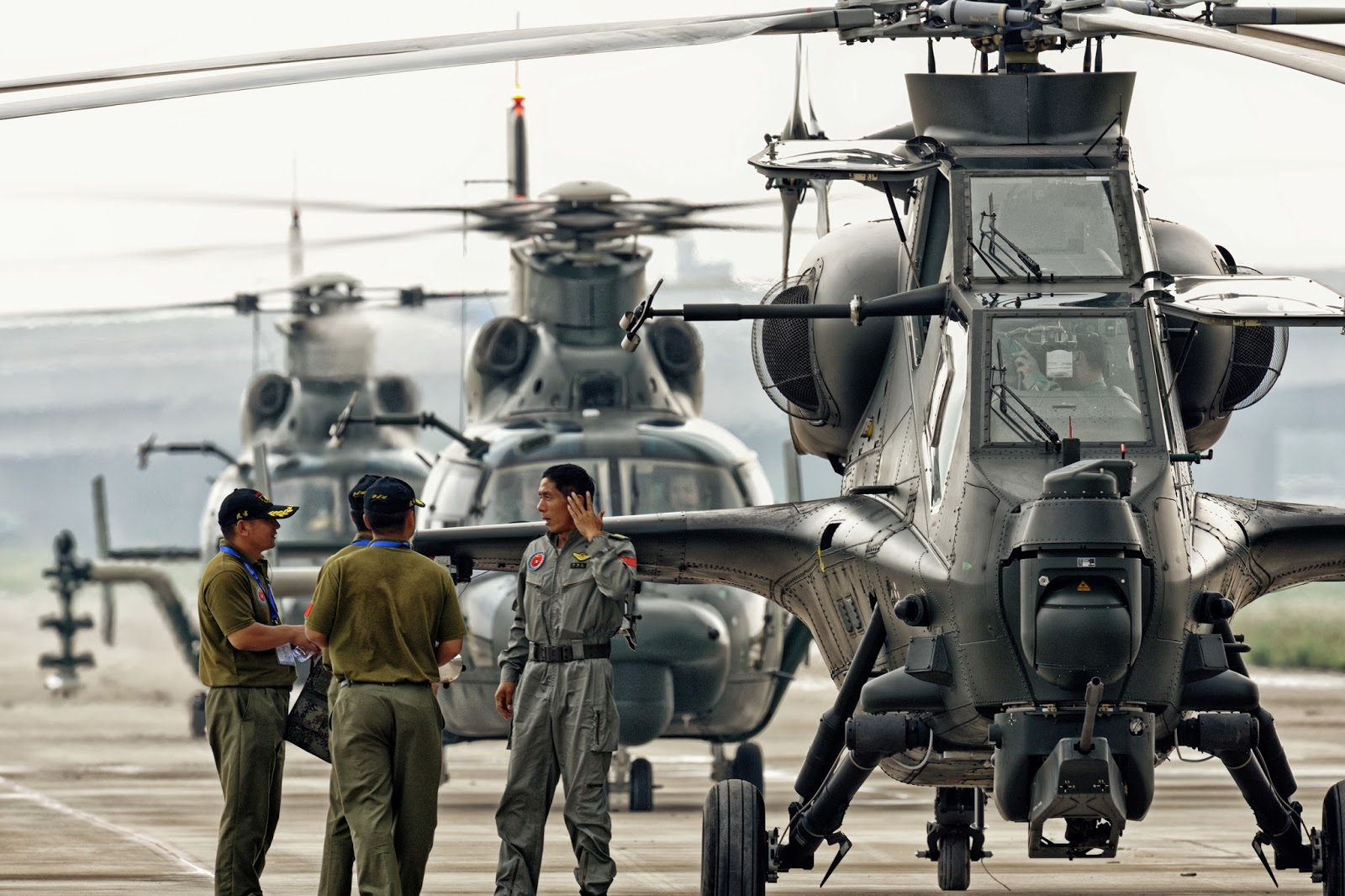 WZ -10 ATTACK HELICOPTER AT CHINA INTERNATIONAL HELICOPTER ...