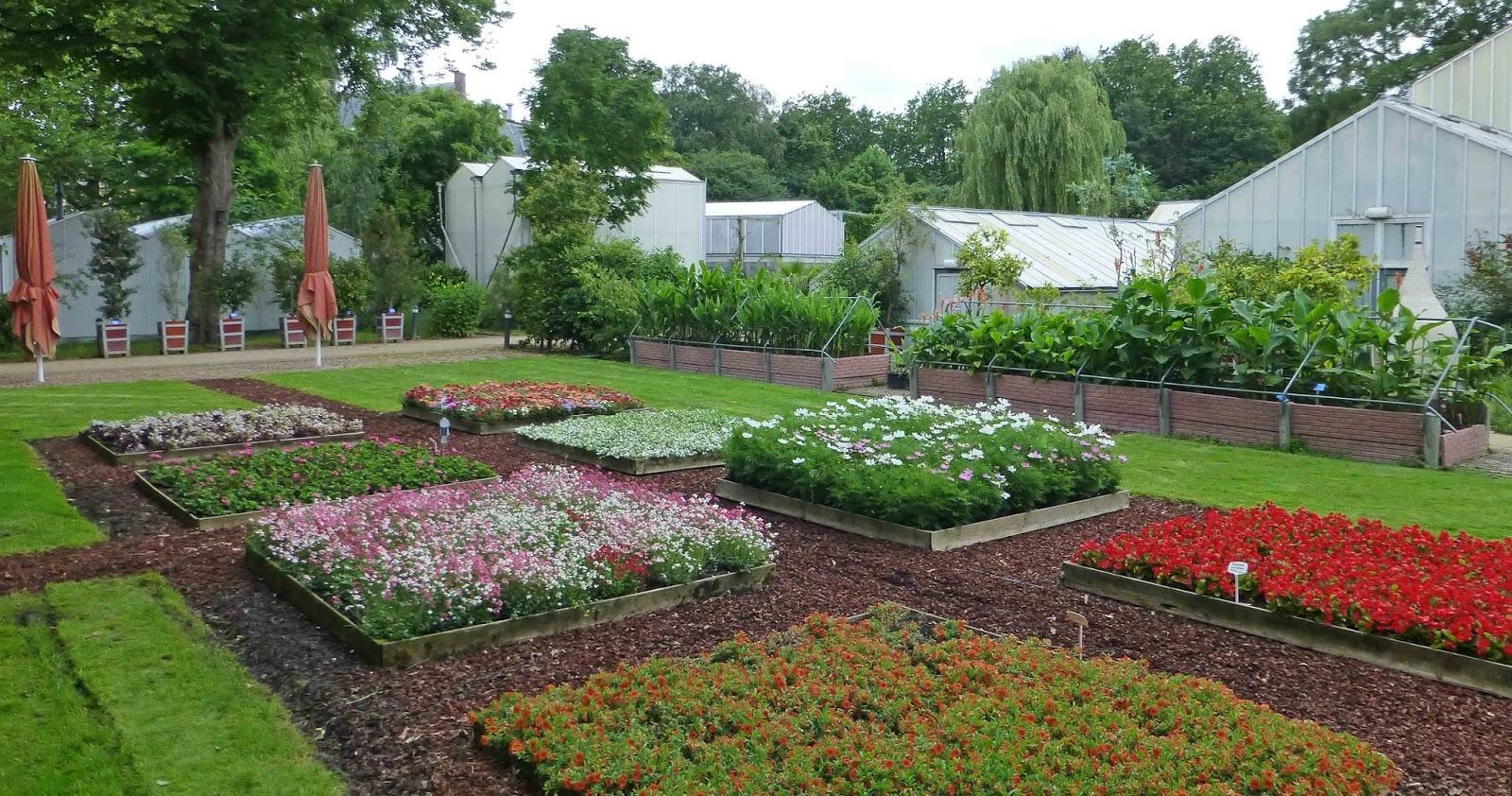 Tuin bakken beautiful verder met de verhoogde tuin bakken for Vierkante vijver maken