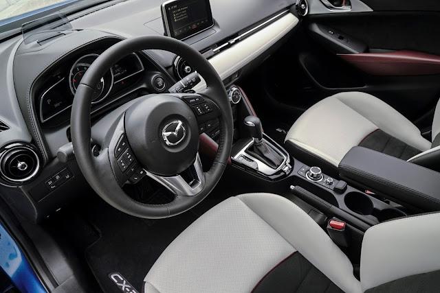 Interior view of 2017 Mazda CX-3
