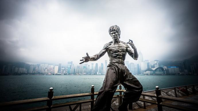 Wallpaper: Bruce Lee Statue