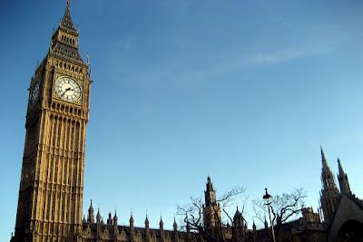 Jam Dinding Raksasa Yang Terkenal Di Inggris