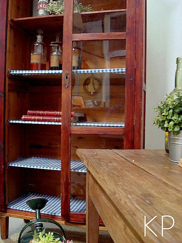 Comprar muebles vintage. alacenas de madera. vitrinas de madera antiguas en valencia