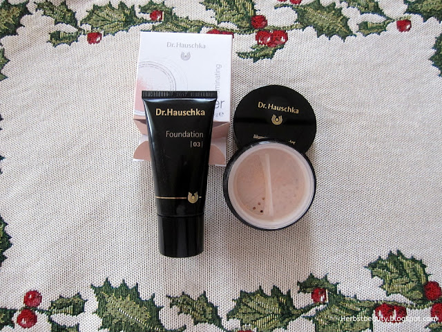 Dr. Hauschka Foundation und Illuminating Powder