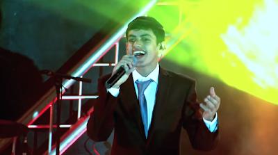 Maravillosa presentación de Meydad Tasa interpretando la canción Al Naharot Babel (Junto a los ríos de Babilonia).