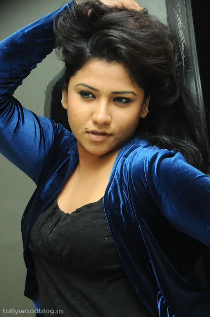 Jyothi latest hot Gola Gola