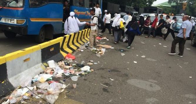 Sampah Terbukti Berserakan: Itu Oknum, Cuma Ikut-ikutan Reuni 212