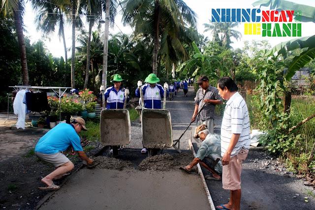 Chiến sĩ Nông Lâm vinh dự được đón đoàn phóng viên ANTV ghi hình về quá trình làm đường