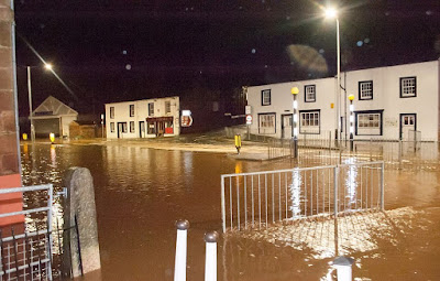 f6 More Than 70 People Are Rescued From Their Homes As Floods Strike Britain News