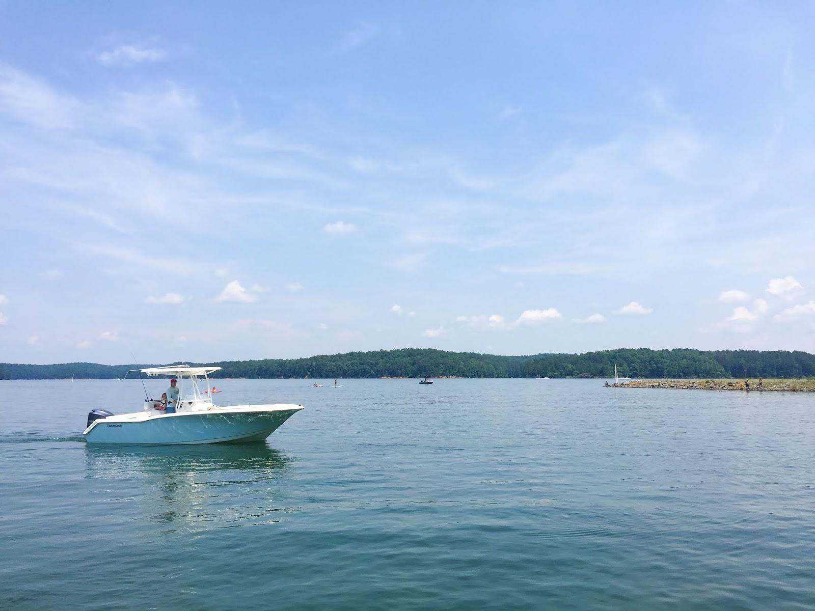 Magnolia Mamas : Summer To Do List: Go Boating!
