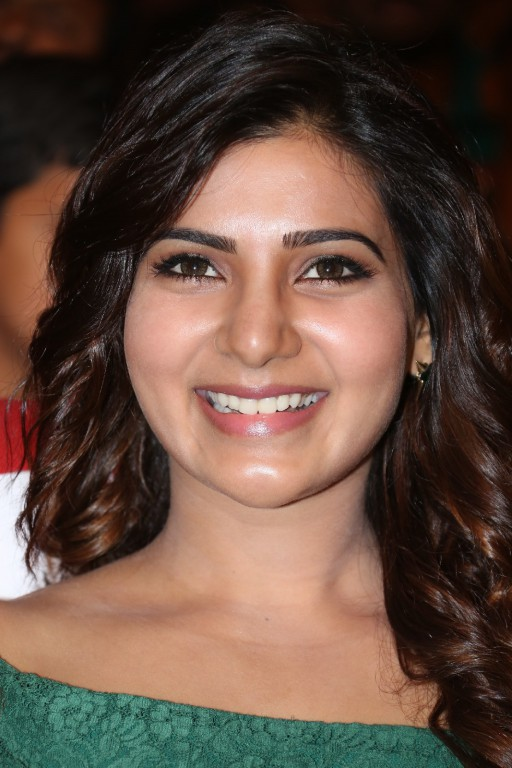 Samantha Latest 2016 Hot Stills In Green Dress