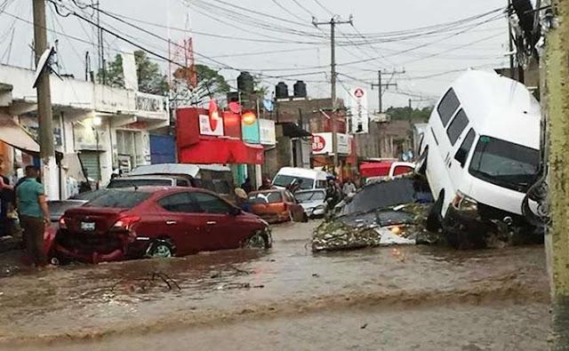 autos, corrientes, inundación,