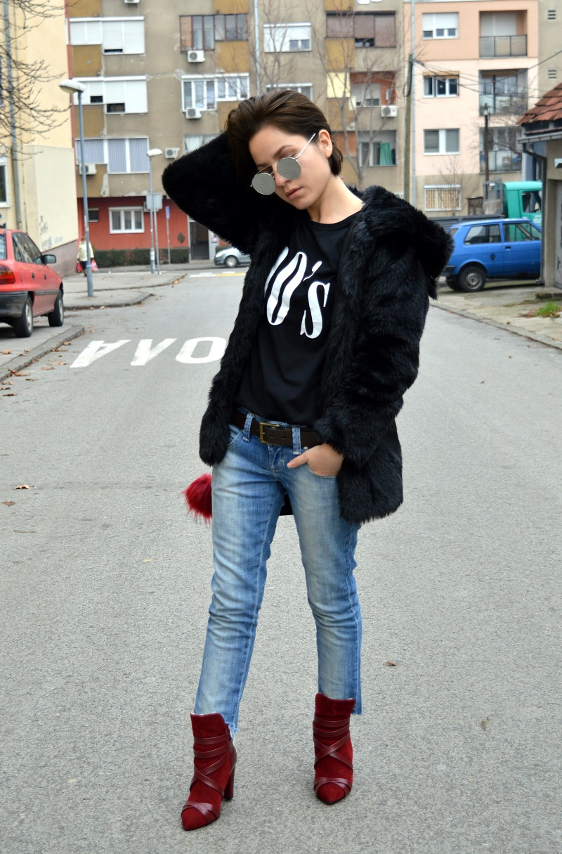 outfit 90's t-shirt red boots