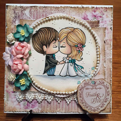 The Greeting Farm Cake Topper Kiss