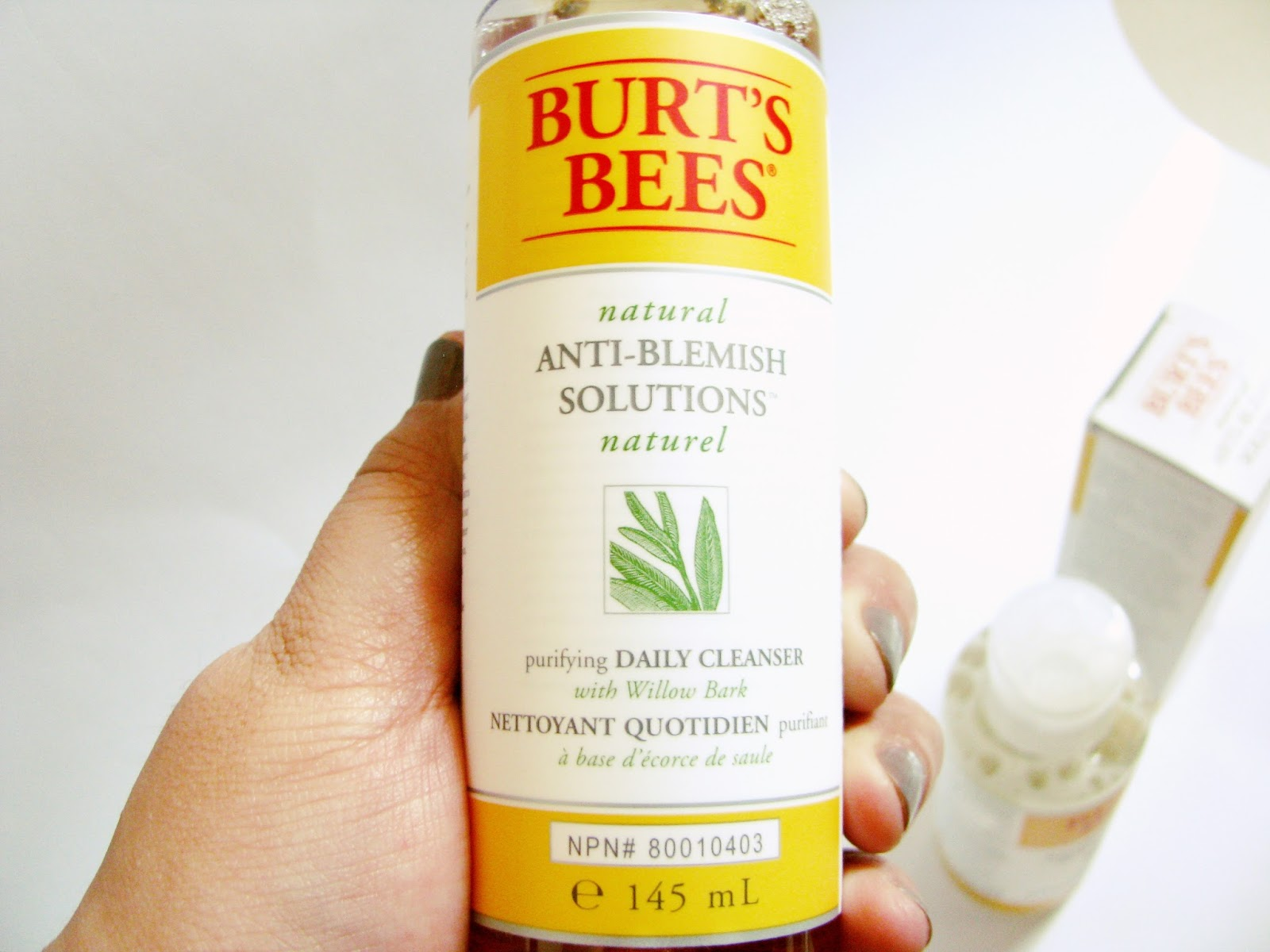 http://www.lightsandlatte.com/2016/04/burts-bees-natural-anti-blemish.html