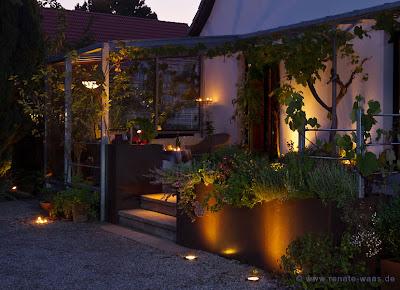 Licht im Garten - Wege, Terrasse, Treppe und Pflanztrog beleuchten, Gartenbeleuchtung, Garten beleuchten, Gartenlicht