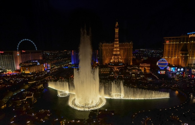 18 Amazing Fountains From All Over The World That Are Real Works Of Art - Fountains of Bellagio, Las Vegas