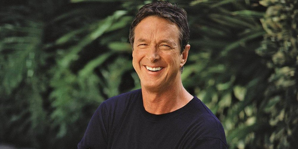 Michael Crichton por Jonathan Exley