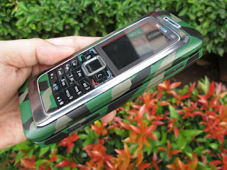 Nokia E90 Communicator Warna Loreng Army Seken