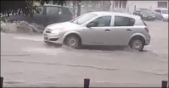 Tο ΒΙΝΤΕΟ με τον ανυπόμονο οδηγό από τη Θεσσαλονίκη που έγινε viral