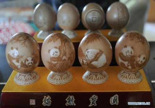 05-Chinese-Artist-Pu-Derong-Egg-Carvings-Carving-www-designstack-co