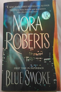 Blue Smoke by Nora Roberts Bekas