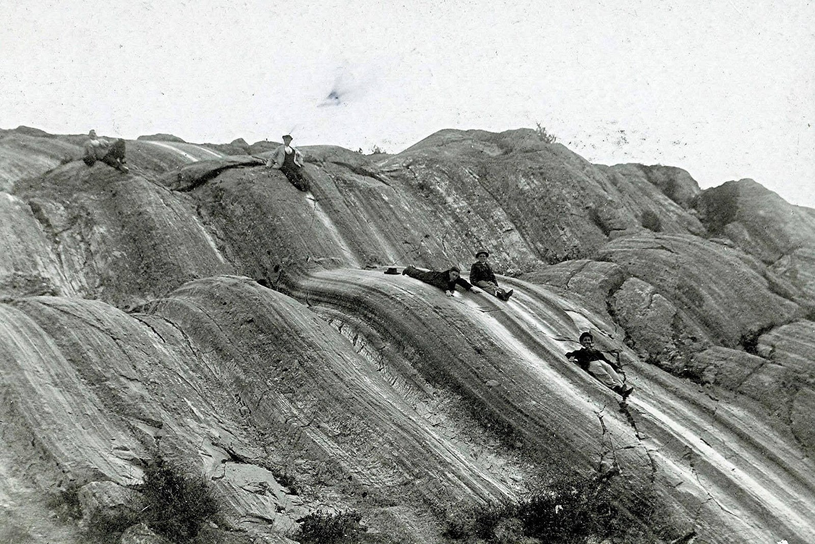 Foto antigua del Famoso rodadero en Sacsayhuaman
