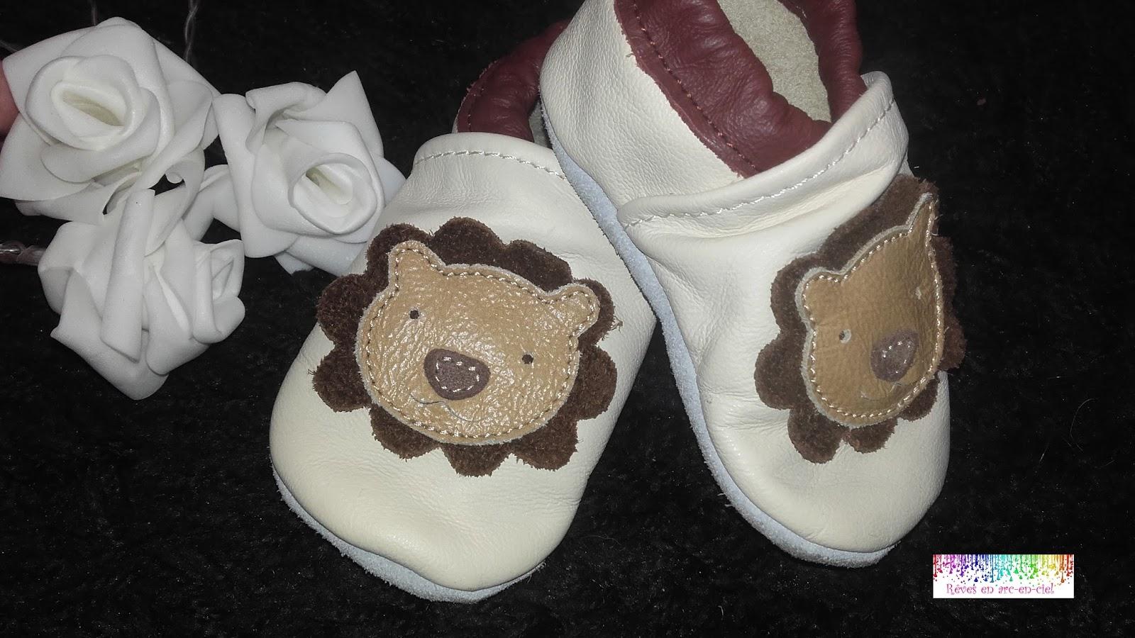 3a3c81578df Chaussons en cuir pour bébé