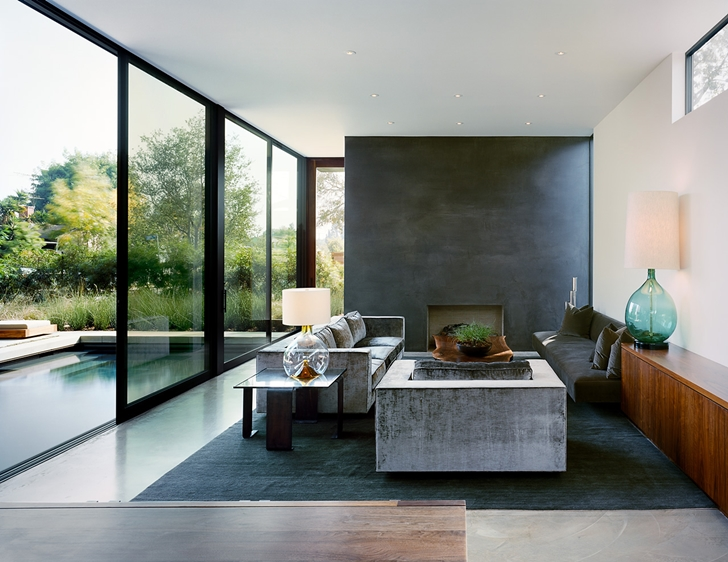 Living room in Vienna Way Home by Marmol Radziner