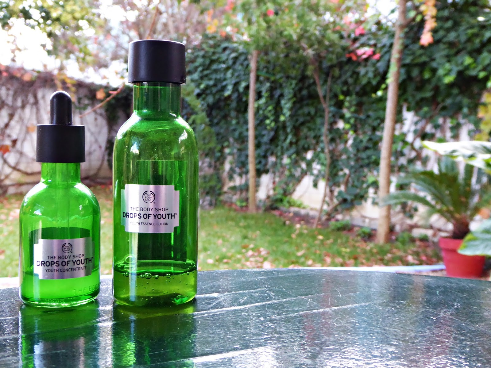 Loción esencial y concentrado de juventud Drops of youth The Body Shop