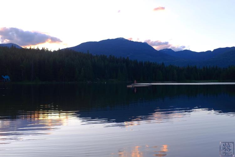 Le Chameau Bleu - Sunset sur le Lost Lake - picnic - Colombie Britannique Canada