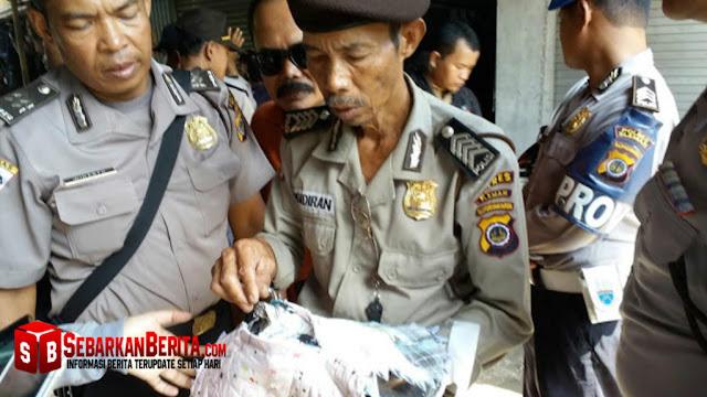 Polisi Dituntut Selesaikan Kasus Keset Kaki Yang Berisi Lembaran Al Qur'an