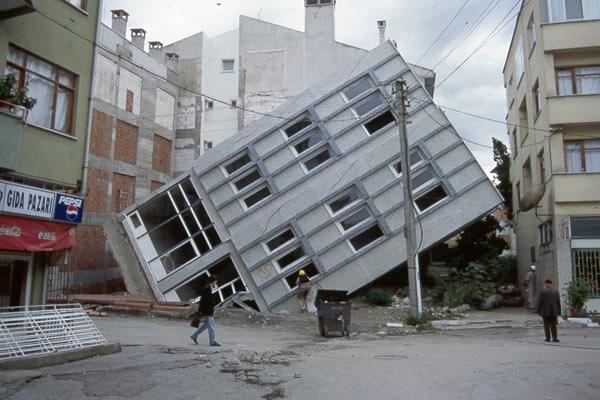 furia natureza tempestade terremoto ambiente de leitura carlos romero